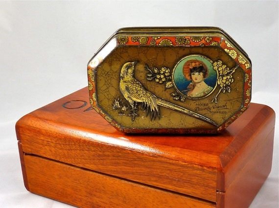 Dainty Dinah Tin with Embossed Bird and Flowers in Gold