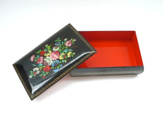 Fedoskino Russian Lacquered Box with Handpainted Flowers Black and Red