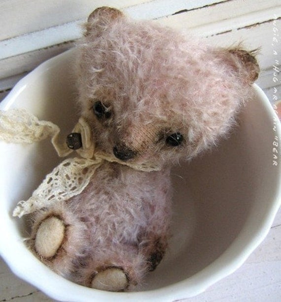 Sewing E-Pattern to create a vintage looking Miniature Teddy bear like Chopper.