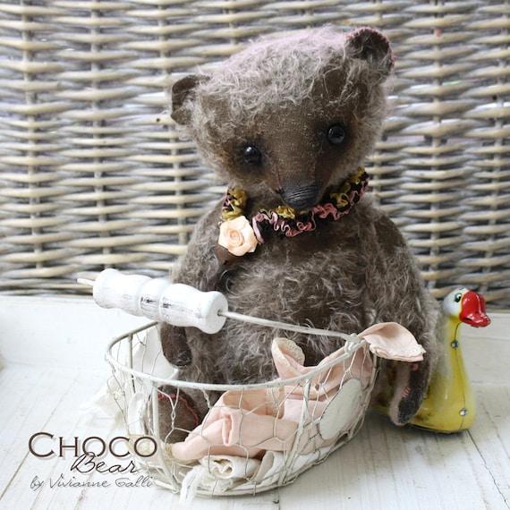 Choco bear, a teddy to bite in by V.Galli