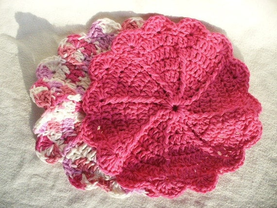Pink and White Flower Dishcloth Set & FREE Scrubby