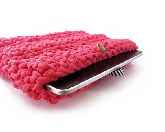 BubbleGum Pink iPAD crochet sleeve with vintage button - gadget sleeve - iPad