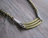 Triple bar necklace in brass and white