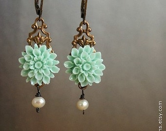 Mint Flower drop earrings, bridesmaid jewelry, drop earrings, wedding earrings, aqua seafoam dahlia flower pearls bronze filigree earrings