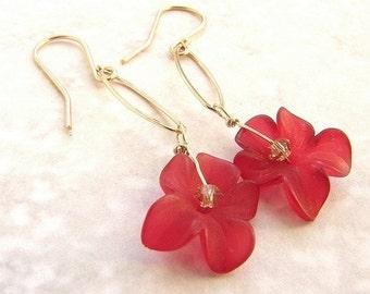 red flower earrings gold link dangle earrings, bridesmaid jewelry, crimson ruby flower bridal earrings bridal jewelry