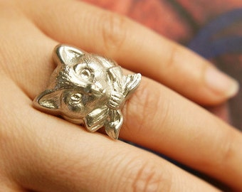 Cat ring, silver adjustable ring, unisex silver cat ring, kitten with bow ring, gift for cat lover