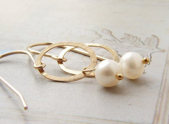 Bridal earrings, Gold circle pearl drop earrings Bridesmaid jewelry simple dainty earrings, Wedding jewelry, gold circle pearl drop earrings