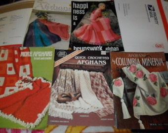 5 Vintage Afghan Pattern booklets and leaflets - Knitting and crocheting