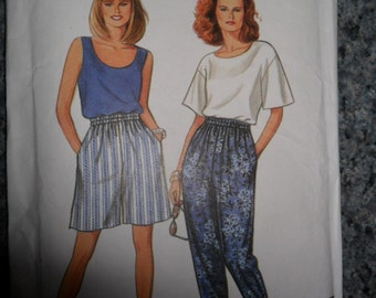 Vintage UNUSED Simplicity pattern 8254 - Misses' Top/Pants and shorts pattern - size 10 thru 20
