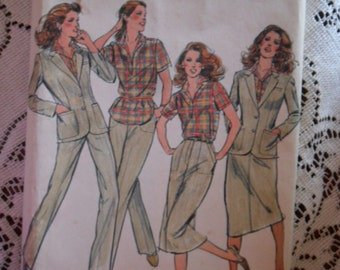 BUtterick pattern 6992 - Misses Jacket - blouse- skirt and pants in size 10
