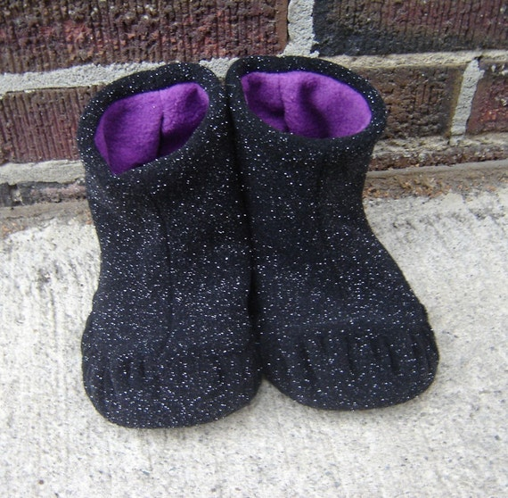 Slipper Sewing Pattern - Moon Walker Slippers - PDF PATTERN - Instant Download - you receive 4 womens sizes
