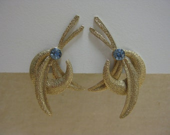 Gold with a Blue Sparkle - earrings