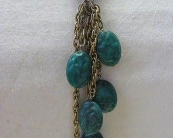 Shabby Green Dangle Golden Chain - vintage necklace
