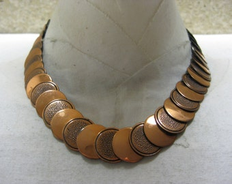 Texture and Smooth Circle Copper - vintage necklace
