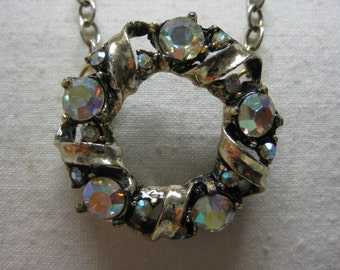 Colorful Twinkle Circle - vintage necklace