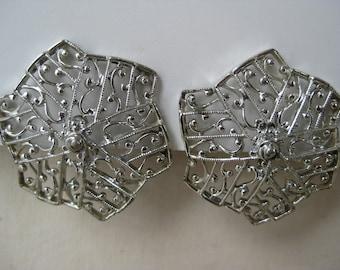 Chunky Silver Filigree Flower - vintage earrings