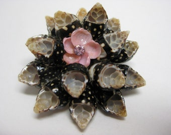 Shell Flower With Pink - vintage brooch