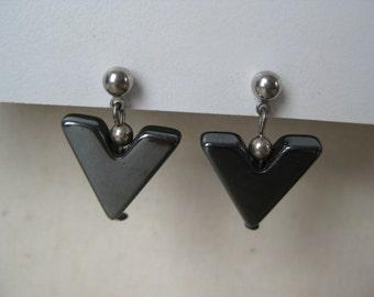 Black V - vintage earrings