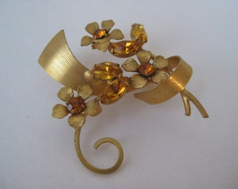 Golden Amber Twinkle Flowers - vintage brooch