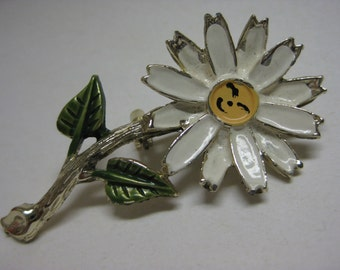 Smile Daisy - vintage brooch