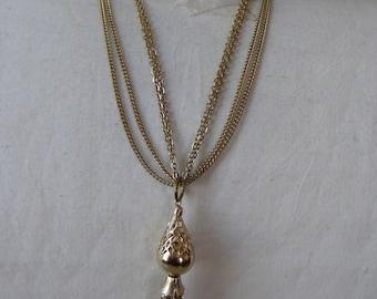 Necklace Gold Filigree Dangle Pendant