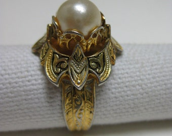 Pearl Gold Ring Adjustable