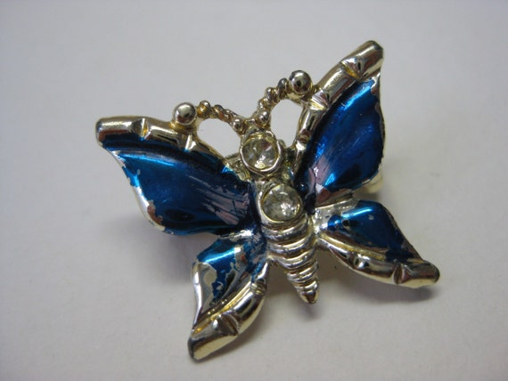 Tiny Blue Butterfly - pin
