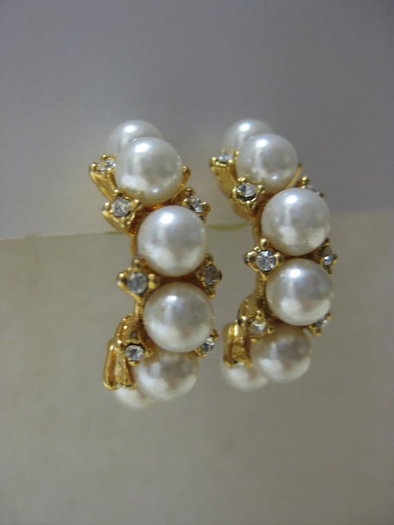 Golden with Pearls and Twinkle - vintage earrings