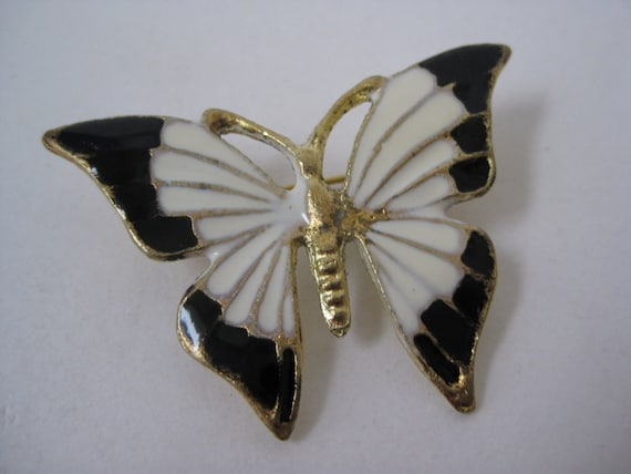 Black and White Butterfly - vintage broochVintage Butterfly Black And White