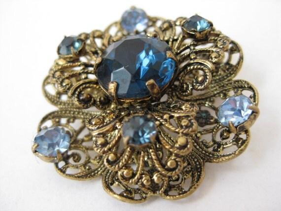 Blue Twinkle Filigree Floral - vintage brooch