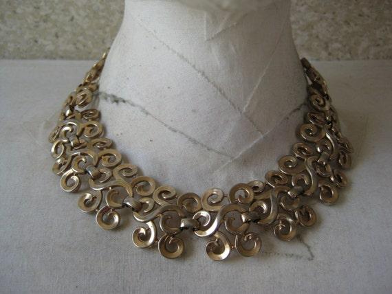 Shabby Gold Choker Necklace