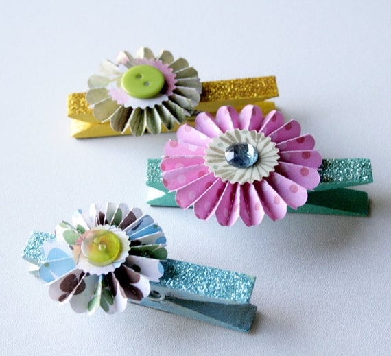 Rosette Clothes Pin Magnets for Photos, Banners, and Office Boards