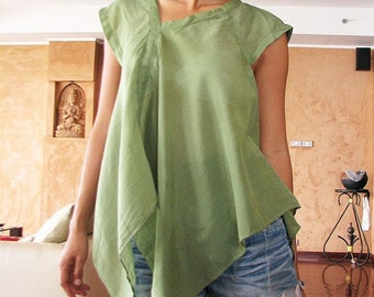 Lise Asymmetric blouse...Green (S-L)