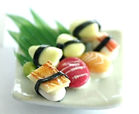 Miniature Foods Polymer Clay Supplies for Dollhouse Japanese Sushi dish, 2 pcs