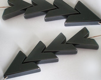 8pcs V cut black Hematite chevron Modern arrow shape stone bead