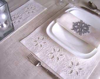 Holiday Cutwork Machine Embroidery Designs sc015d and Holiday Table Linens Sewing Instructions in PDF