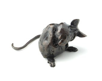 Tidy mouse (bronze) nearly 2 inches tall