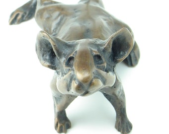 Pugnacious mouse bronze sculpture around 7 inches nose tip to tail tip. Objet d'art metal ornament and luxury paperweight.