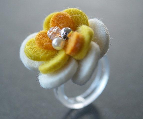 CAMELLIA RING - Felt Flower - easter spring white and yellow