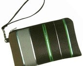 MODERN WRISTLET - Padded Case with Detachable Strap