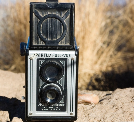 Spartus Full-Vue Box Camera - Perfect for TTV