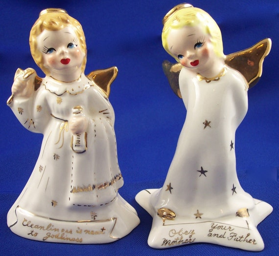 1950's Vintage Yona Pair of Porcelain Angels Collectible Figurines