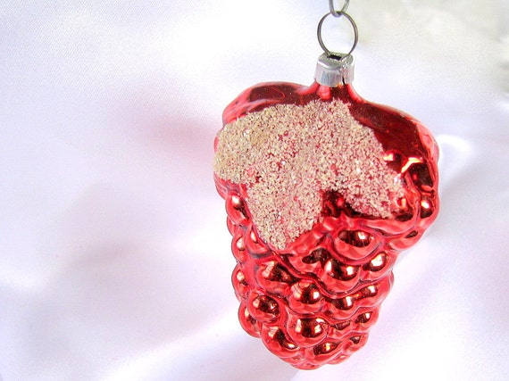 Vintage Red Glass Grapes West Germany Christmas Holiday Ornament