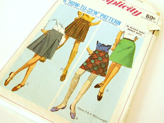 UNCUT Vintage 1960's Skirt Sewing Pattern, Simplicity 7216, Waist 26 Inches