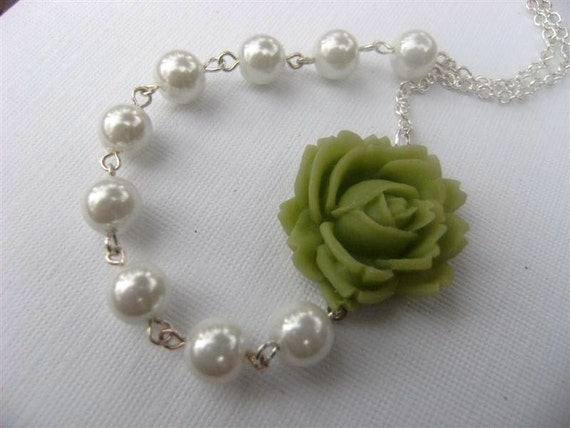 Necklace Green Rose and Pearl