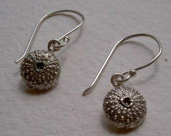 Pendientes erizo de mar con gancho / Urching hang earrings