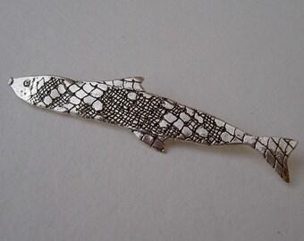 Broche pez mediano de plata de ley /Sterling silver Long medium fish brooch