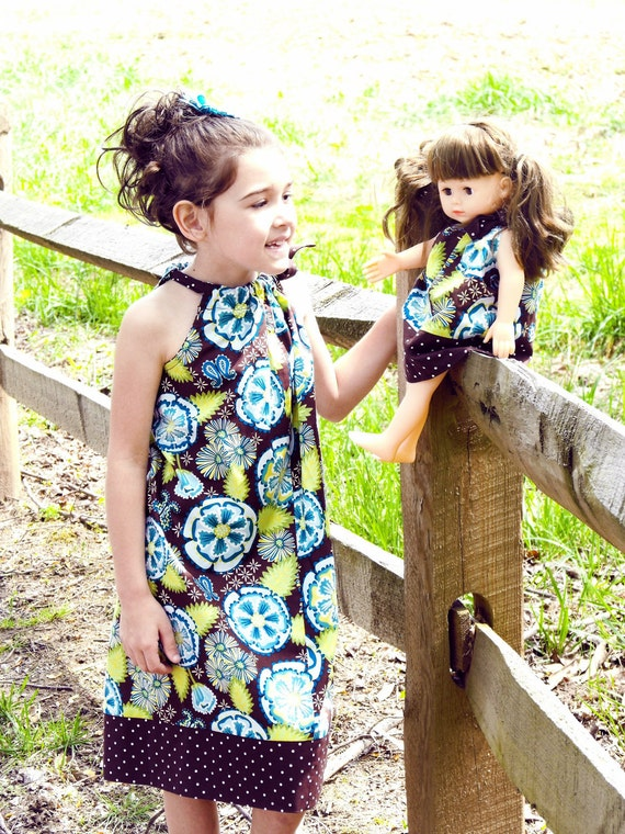 Pillowcase dress Phoebe in Brown and matching doll dress (available in xsmall to medium )