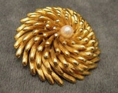 Vintage Boucher Brooch Pearl Abstract P3689