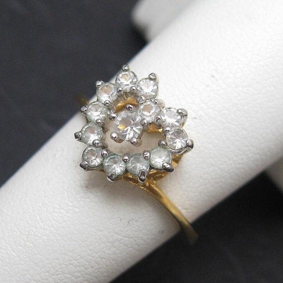 Vintage Rhinestone Heart Ring Elegant R1518
